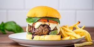 Evde Lezzetli Hamburger Yapmanın Zor Olduğunu Düşünenler İçin 11 Lezzetli Hamburger Tarifi
