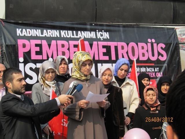 Kadınlara Özel Ulaşım Uygulamaları Yine Türkiye Gündeminde: Malatyada Pembe Trambüs Dönemi 59