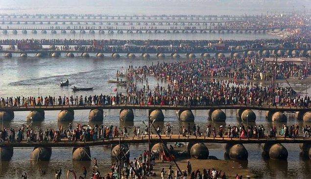17. Dünyanın en büyük ve en fazla katılımcıya sahip Kumbh Mela Festivali her yıl Hindistan'da gerçekleşir.