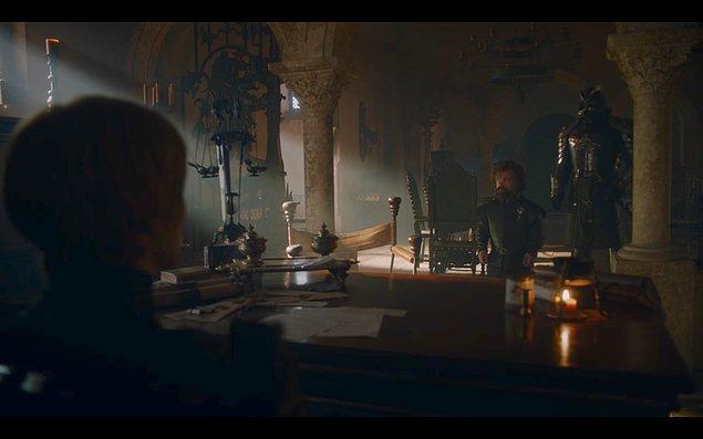 Ama neden? 1. İhtimal; Ser Jorah'ın izinden gidip Daenerys'e aşık olmuş olabilir.