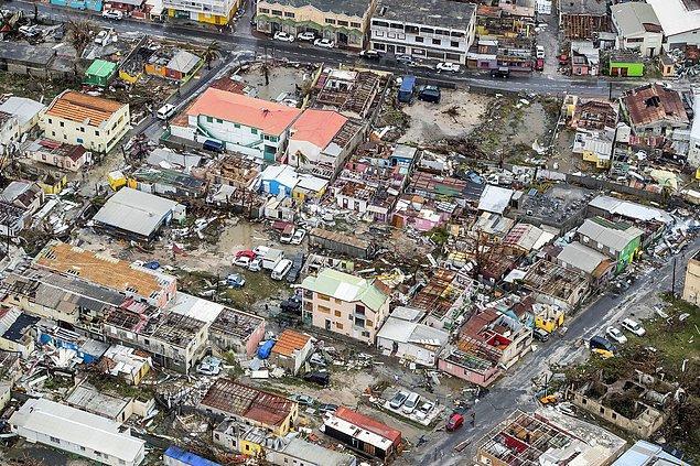 16. Saint Martin adasının Hollandalı kısmında yer alan Philipsburg şehri de zarar gördü.