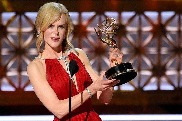 13. Kidman ödül kabul konuşmasında ödülü ailesine ve bilhassa kızlarına adarken dizinin teması olan aile içi şiddete dikkat çekmesiyle de damgasını vurdu.