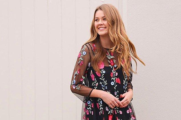 1. Son sezonun en trend stili çiçekli elbiseler başlangıçlar için ideal!