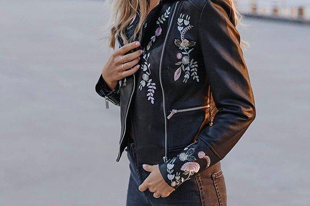 5. Nakışlı deri ceketler ile kampüsün en sıradışı trendine sahip olun!