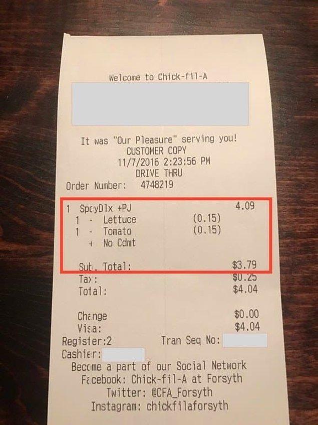 12. Müşterilerin istemediği malzemelerin parasını hesaptan düşen Chick-fil-A.