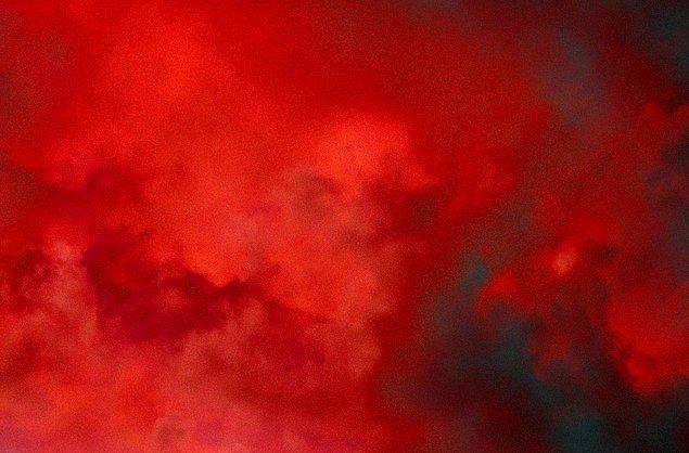 11. Senin giymen gereken renk: Kırmızı