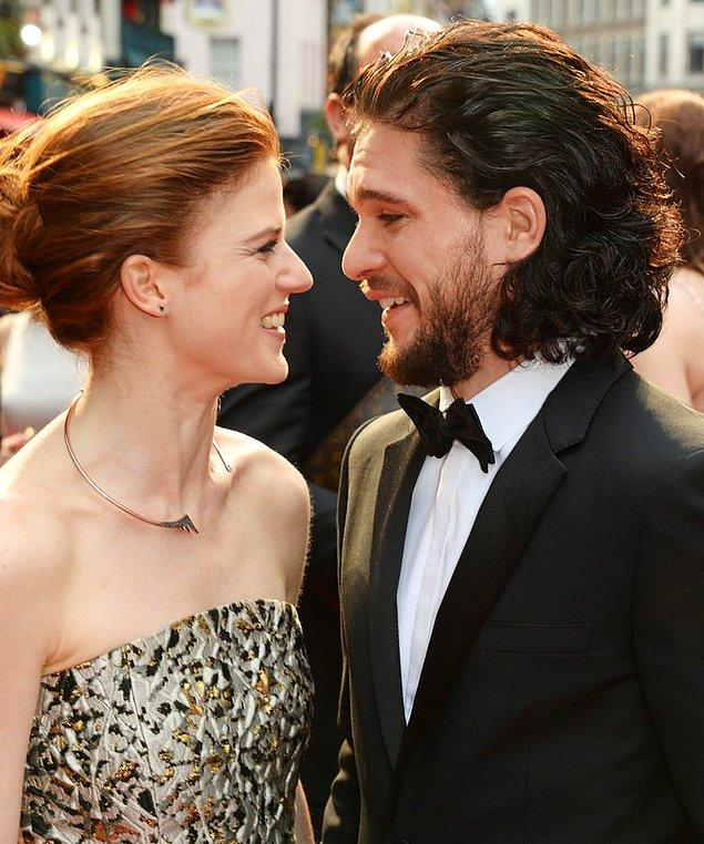 """Öyleydi, böyleydi derken sevimli çiftimizden Rose, """"Bakalım yapabilecek miyiz?"""" diyerek Kit'in evine taşındı."""