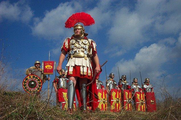 7. Romalılar zamanı gündüz ve geceye göre belirliyordu. Bu yüzden bir saat kışın 45, yazın 75 dakika uzunluğundaydı.