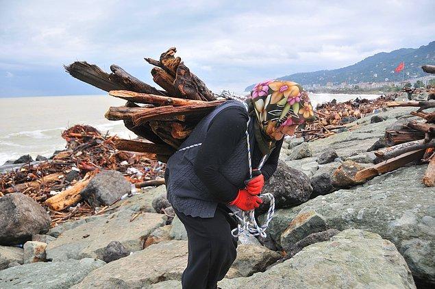 Hamdiye Yazıcı ise eşini yakın bir zamanda kaybettiğini belirterek kışlık oduna ihtiyacı olduğunu söyledi.