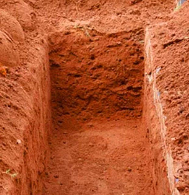 Diri diri gömülmek.