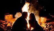 Cevabı Bilim Veriyor: Ateşin Başında Oturmak İnsana Neden Romantik Gelir? 🔥