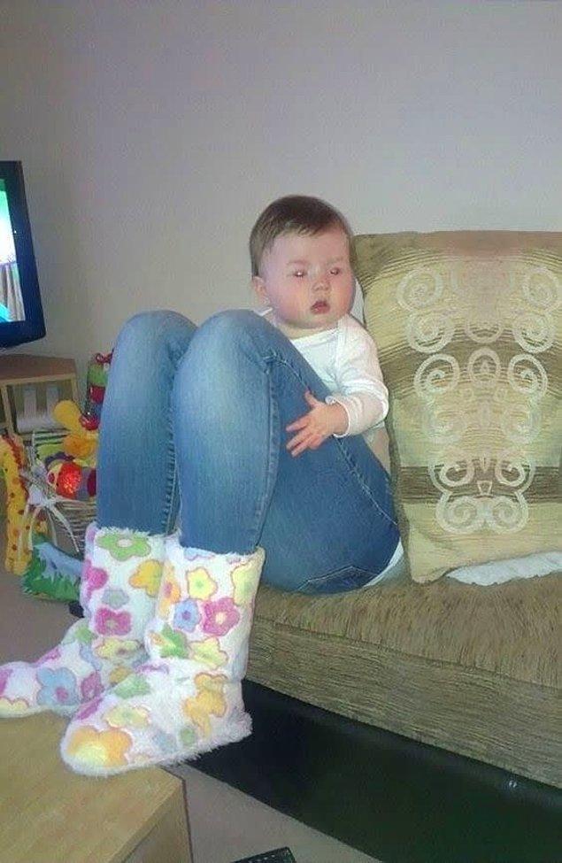 20. Bebişin bacağı çok mu büyük ne?
