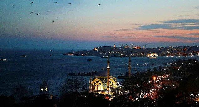 8. İstanbul / Türkiye: 567,7 saat