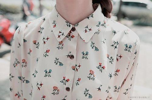 Kışın mutlaka dolabınızda yer açmanız gereken üç parça: çiçek desenli gömlek, bisiklet yaka kazak ve ceket!