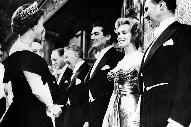22. Marilyn Monroe ve Kraliçe II. Elizabeth aynı yıl doğmuşlardır.