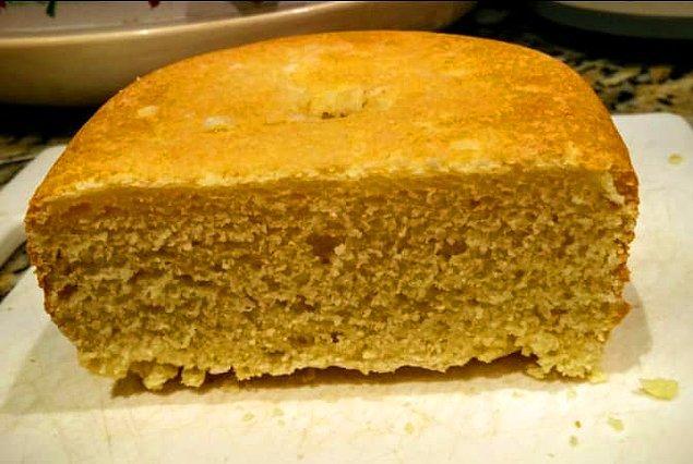 13. Bir ekmek yapma makineniz varsa (ya da bir tane almayı planlıyorsanız) evde kendi glutensiz hamur işinizi yapabilirsiniz.
