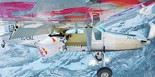 Wingsuit Yaparak Havadaki Uçağın İçine Atlayan Çılgın İkili