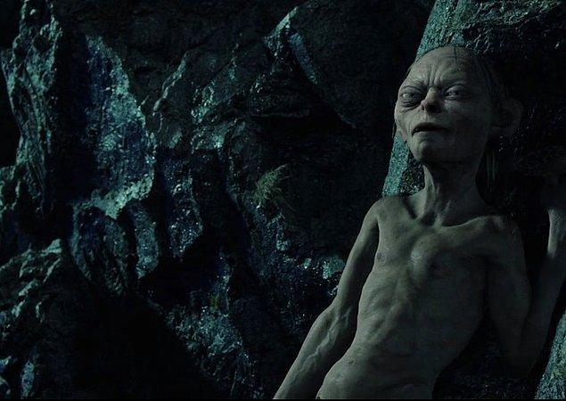 19. İşin rengi değişince, Gollum başının üstünde Elf ekmeklerini kırıp yeminini bozdu. Hiçbir ihanet cezasız kalmazdı.