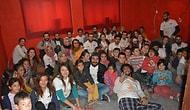 Üniversite Öğrencilerinden Köy Okuluna Sinema Salonu