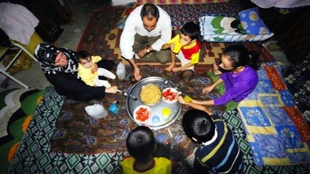 Dört kişilik bir ailenin sağlıklı, dengeli ve yeterli beslenebilmesi için yapması gereken aylık gıda harcaması tutarı, yani açlık sınırı 1.567,45 TL.