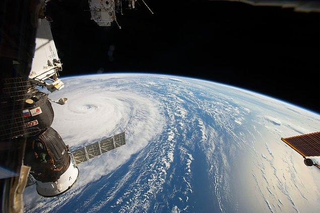 18. Uluslararası Uzay İstasyonundan görüntülenen dev tufan Noru.