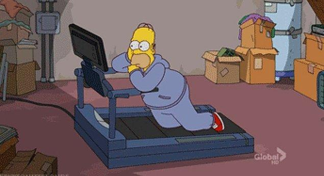 1. Evde ya da spor salonunda koşu bandı kullanıyorsanız bu zamanı sevdiğiniz şeyleri izlemeye ayırın.