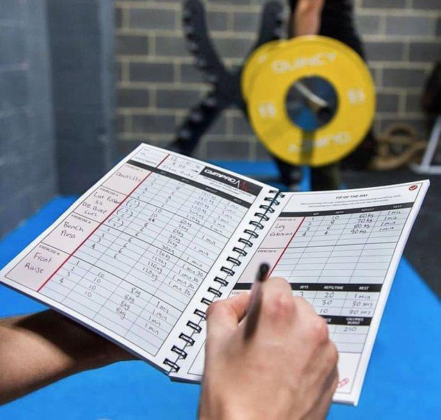 3. Egzersizlerinizi mutlaka kayıt altında tutun ve kendinize başarılı olduğunuzu sık sık hatırlatın.