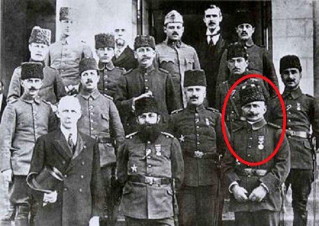 İngilizler tarafından tutuklandıktan kısa süre sonra İstanbul'da kurulan savaş mahkemesinde, savaşta görev yapmış birçok Osmanlı subay ve paşasıyla birlikte yargılanarak idama mahkum edildi