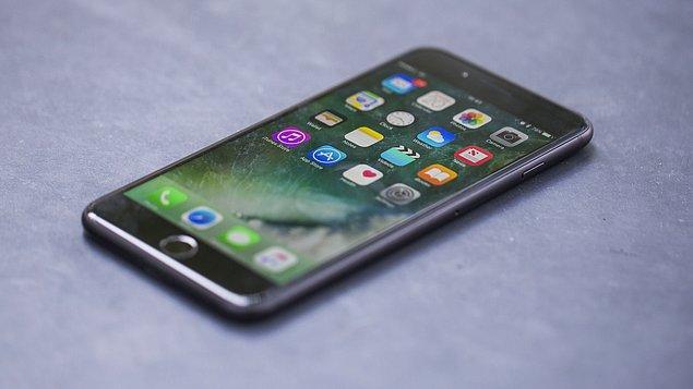 Yeni iOS sürümünün özelliklerini kullanabilmek için daha güçlü işlemci ve pil hacmi gerekiyor.