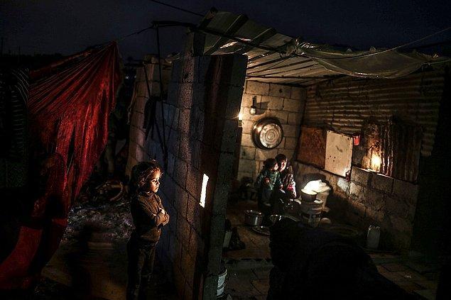 13. Gazze'de elektrik kesintileri. 📷 Ali Jadallah