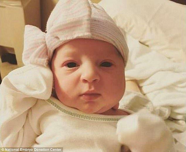 24 yıldır donmuş bir embriyo olarak bekleyen Emma Wren 25 Kasım 2017'de dünyaya merhaba dedi!