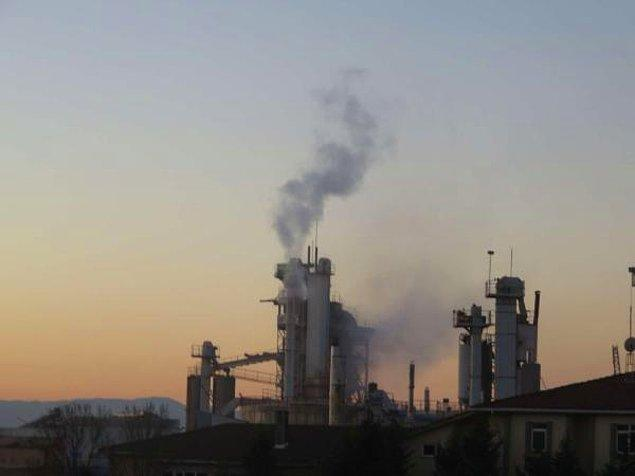 İBB, kaçak kimyasal maddenin metal ve tekstil sektöründe kullanılan trikloreten ve tetrakloreten bileşenlerinin olduğunu açıkladı.