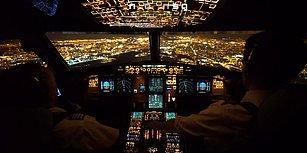 Gece İniş Yapan Bir Uçağın Kokpit Kamerasından Görüntüleri