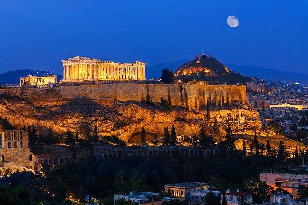 Yunanistan - 684 Euro