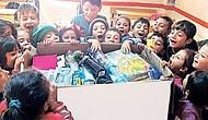 Mutluluğun Fotoğrafı: Diyarbakır'daki Bir Okulda Yılbaşı Hediyelerini Açan Çocuklar