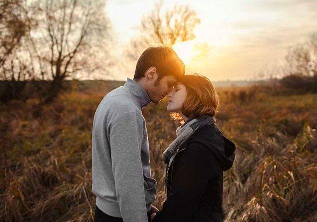 Sen, hoşlandığın kişiyle sevgili olamayacaksın; ama çok daha iyisini bulacaksın!