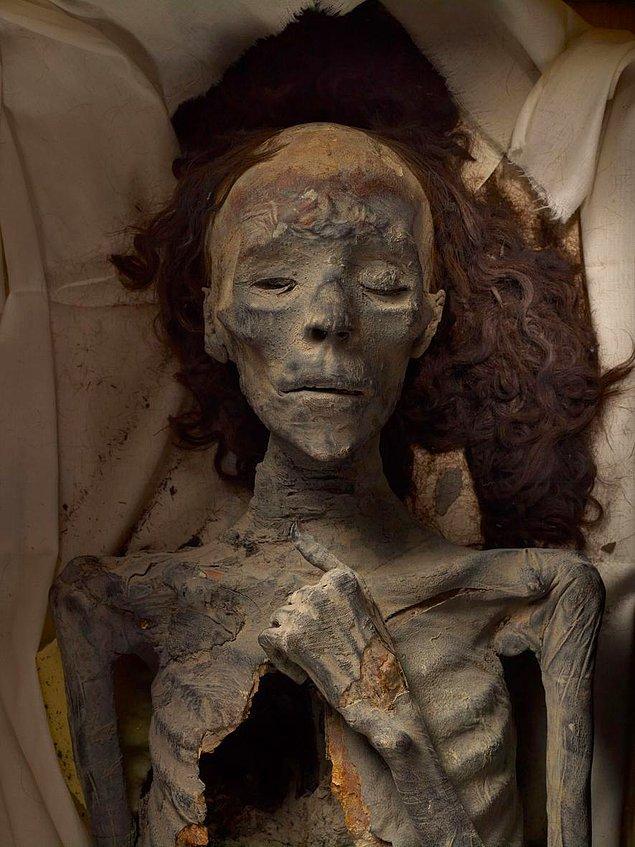 """Tutankhamun'un Büyükannesi """"Tiye"""""""