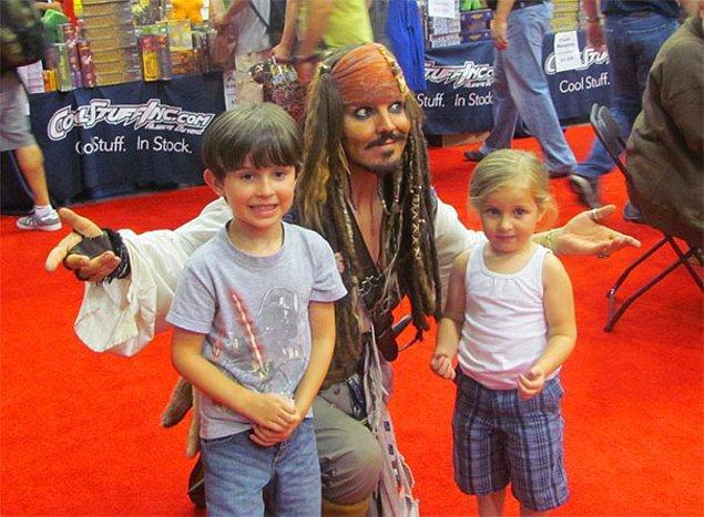 22. Johnny Depp geldi de kamera şakası mı bu?