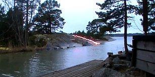 Bu Görüntülerde Aslında Nehre Yıldırım Düşmüyor!