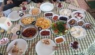 Yer Sofrasında mı Yoksa Masada mı Yemeliyiz? Son Günlerin En Çok Tartışılan Konusuna Işık Tutuyoruz!