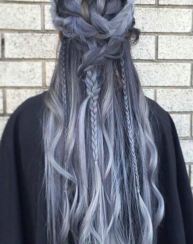 Sana en çok yakışacak saç rengi gri&mavi!