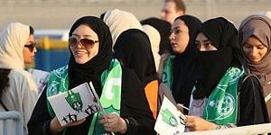 Suudi Arabistan'da Bir İlk Yaşandı! Suudi Kadınlar İlk Kez Stadyumda Maç İzledi