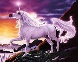6- Görünmez Pembe Tekboynuzlu At