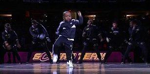 Profesyonellere Taş Çıkartırcasına NBA Karşılaşmasının Devre Arasında Dans Eden Ufaklık: Tavaris Jones