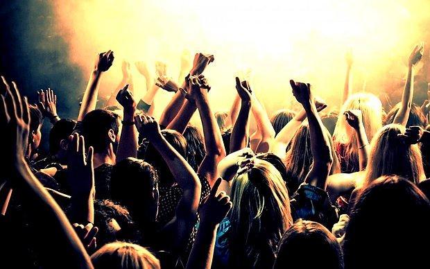 Konsere gitmek