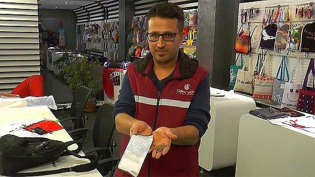 1. Böylesi yalnızca Türk filmlerinde olur zannediyorduk: Ramazan Özlen, yerde parasıyla birlikte bulduğu su faturasını ödedi.