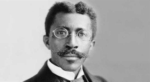 6. Tarihin gördüğü en hileli seçim 1927'de Liberya'da gerçekleşti. Toplam seçmen sayısı 15 bin civarında olmasına rağmen kazanan aday 243 bin oy aldı.