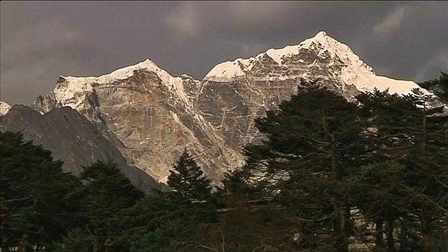 15. Google Maps'in 'streetview' özelliğiyle Everest Dağı çıkış kampının 360 derecelik görüntüsüne ulaşabilirsiniz.