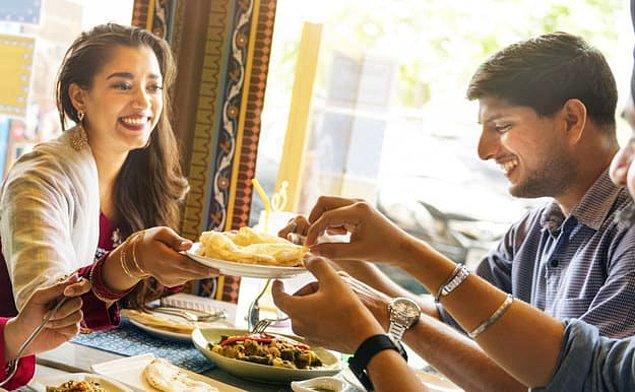 7. Konuk olduğun bir evde servis edilmek istenen yemeği reddettiğin oldu mu peki?