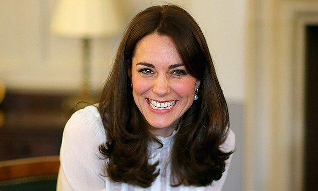 Cildinin böylesine parlamasını ise çikolata maskesine borçlu olduğunu Middleton'ın cilt uzmanı ortaya çıkarmıştı!